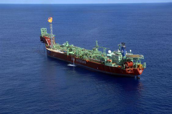 BW Offshore FPSO Cidade Saõ Vicente (ombygd FPSO BW Peace,) Petrobras, Brasil, oljeutvinng dypvann, Tupi-felet, ca.  400 kilometer utenfor Rio de Janeiro, vanndyp ca. 2200 meter.