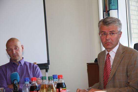 ALVOR: Lagdommer Runde Bård Hansen (t.v.) og Økokrim-sjef  Trond Eirik Schea vil ha strenger straff for brudd på Arbeidsmiljøloven.