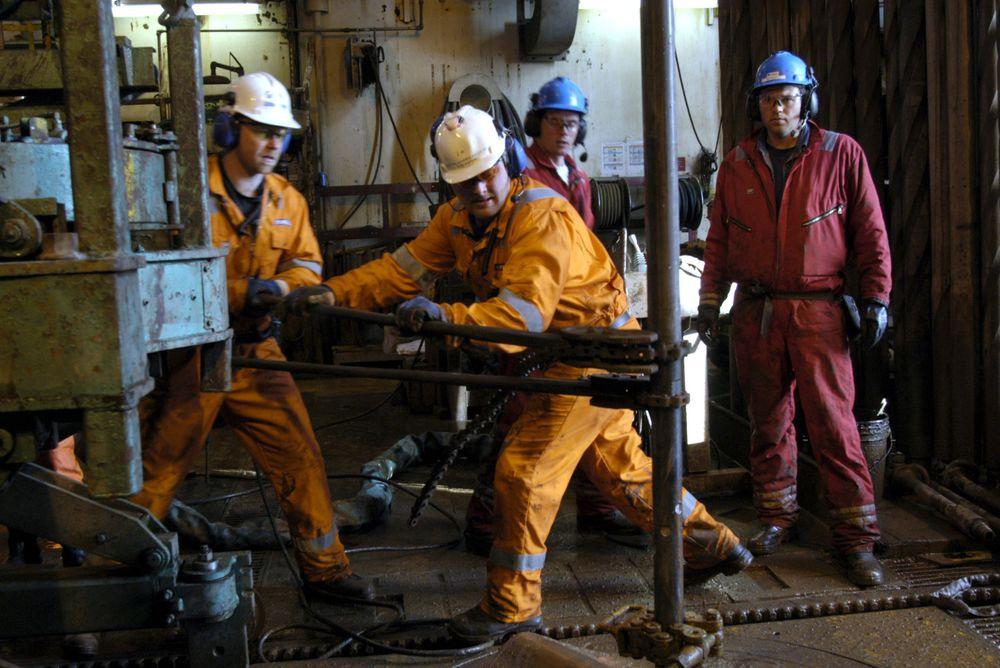 MÅ BORE: Allerede i 2006 må Statoil starte med leteboring i et av de tildelte feltene utenfor kysten av Brasil. FOTO: STATOIL