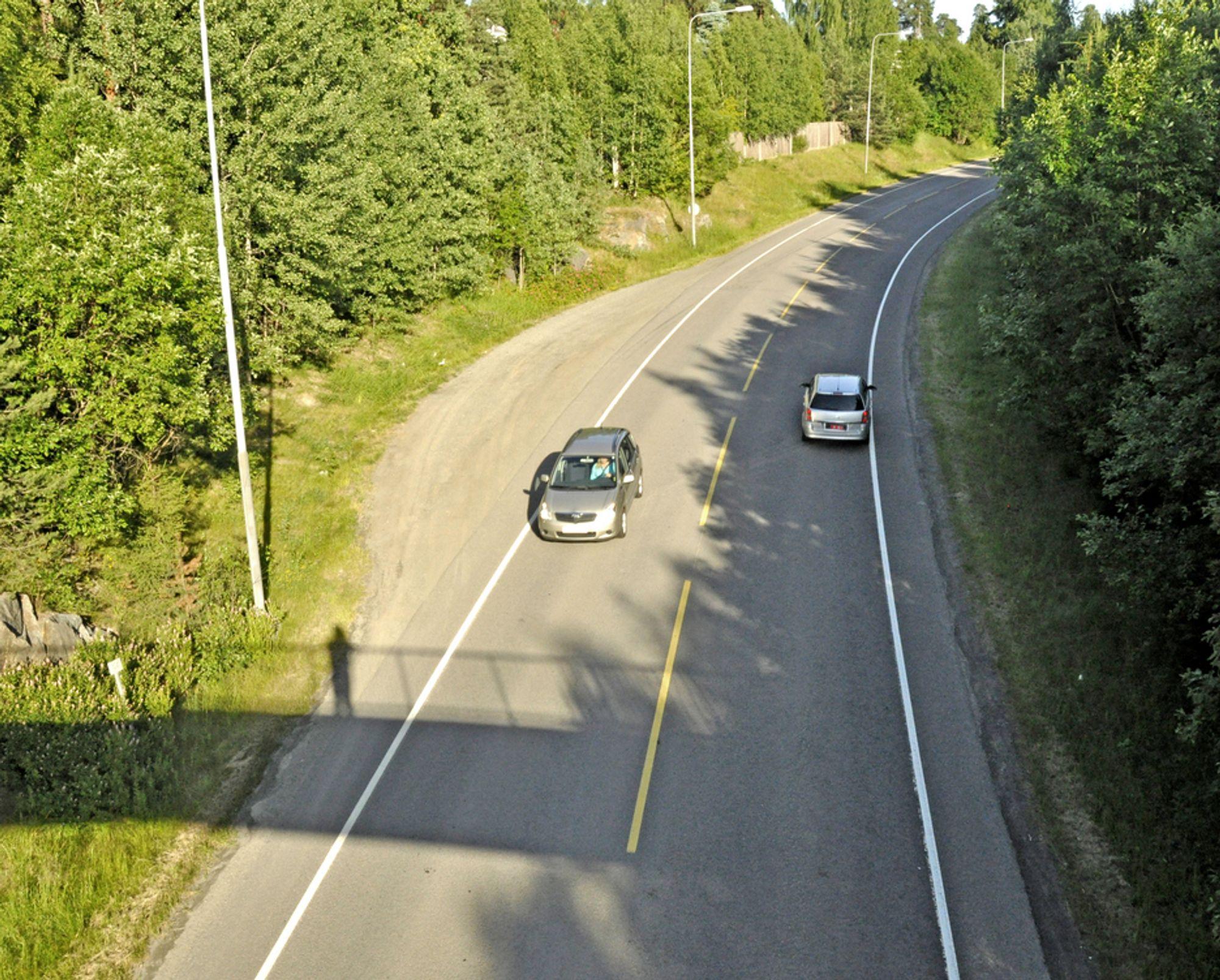 Gang/sykkelvegen skal gå til venstre på bildet. Hvis ingen klage fører fram, blir den anlagt av Åge Haverstad fra Harpefoss i Sør-Fron i Gudbrandsdalen.