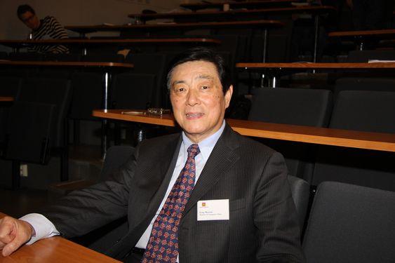 :Professor, tidligere sjefsingeniør i det kinesiske transportdepartementet