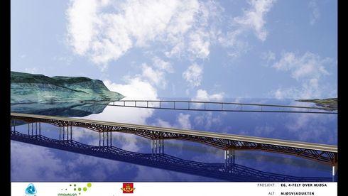 BILDESERIE: Rekordbro over Mjøsa