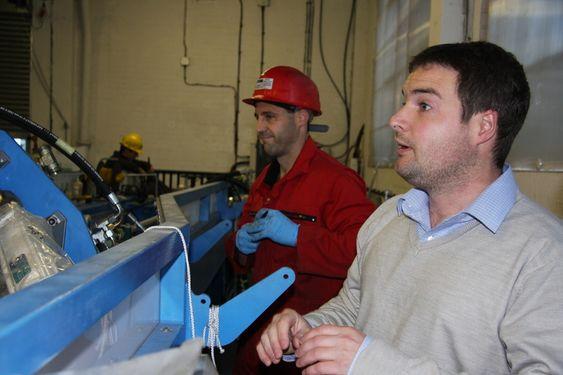 3D-4D: DMAC (Dynamic Marine Component Test Facility) bygger testrigg som skal utsette komponenter for de samme påkjenninger som ute i havet. Tom Clifford fra Exeter University  leder DMAC.