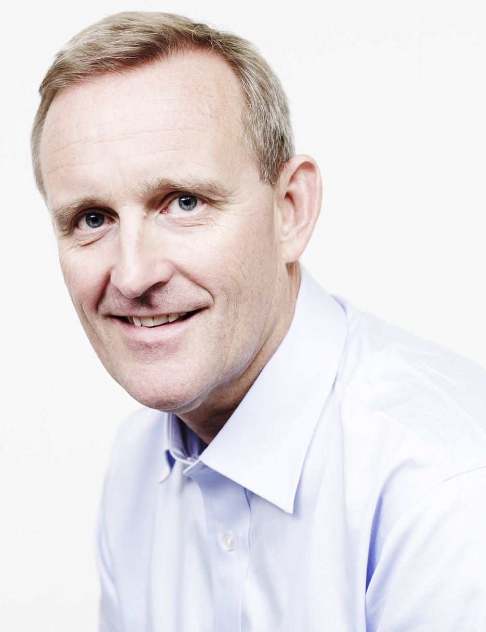 SNAUT: Konsernsjef Ole Vinje selger Komplett i tre land fordi konsernet ikke har ressurser til å ta seg av disse markedene.
