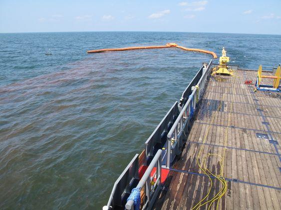 NOFI i Tromsø har utviklet Buster-systemet for oppsamling av olje på sjø. Utstyret virker selv om oljen har svært uvanlig konsistens. Nofi-ekspertene var usikre på om dette skulle kalles olje eller peanøttsmør. Konvensjonelle lenser taues i en U eller J-formasjon mellom to skip og oljen samles i enden. Pumpe eller skimmer fører oljen over i tank. Nofis Buster-system har vist seg å ha bedre manøvreringsevner og tåler tauing i opp til 5 knop, uten at oljen slipper ut under systemene.