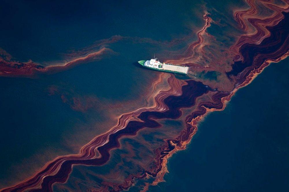 MER ENN ANTATT: Oseanograf Ian R. MacDonald mener at det slippes ut mellom 20.000 og 25.000 fat olje hver dag i Mexicogolfen.