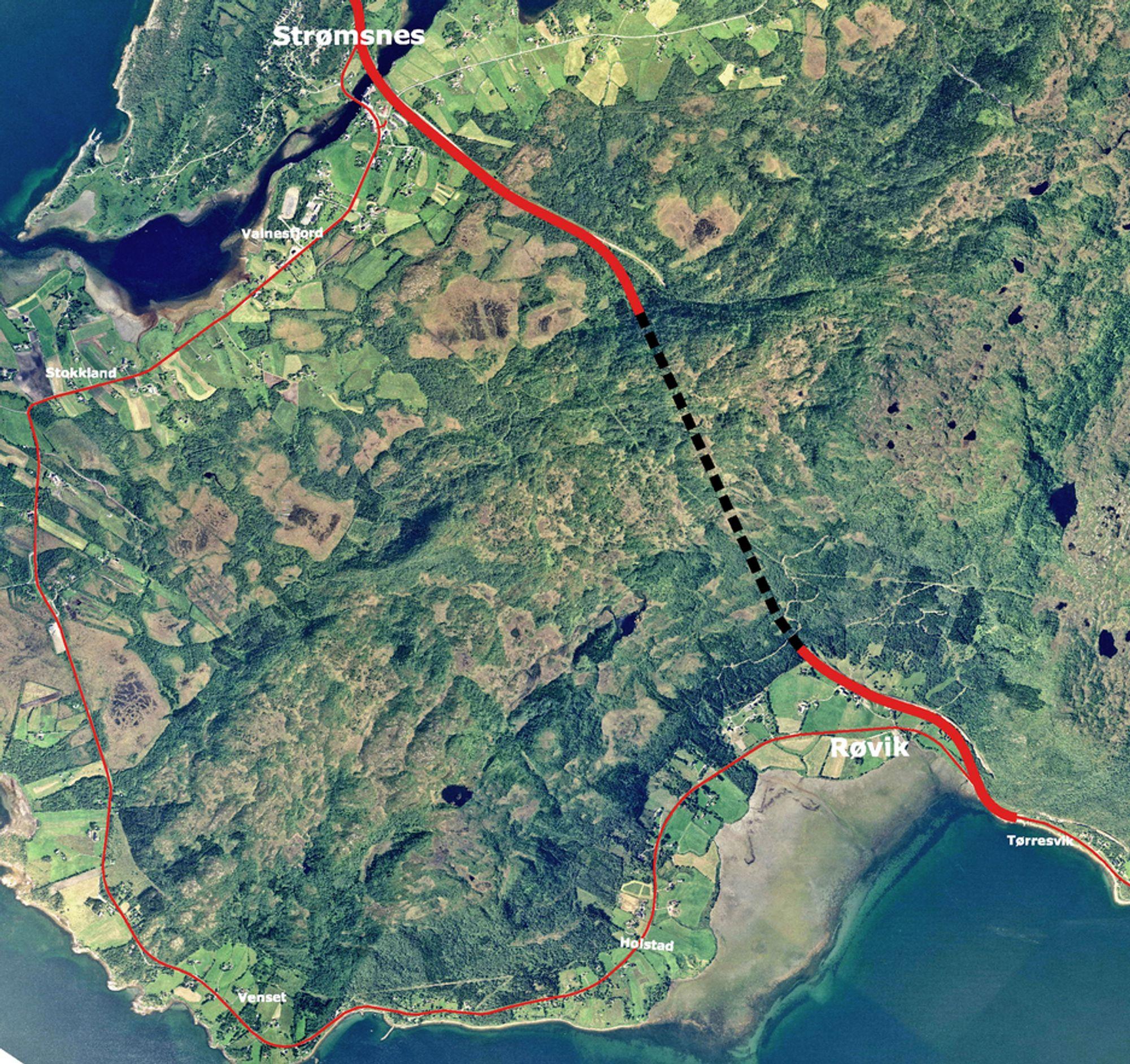 Riksveg 80 mellom Røvika og Strømsnes blir ca. seks kilometer kortere når Røviktunnelen åpnes neste år. Den som vil utføre elektroarbeidet, må gi anbud innen 7. juni.