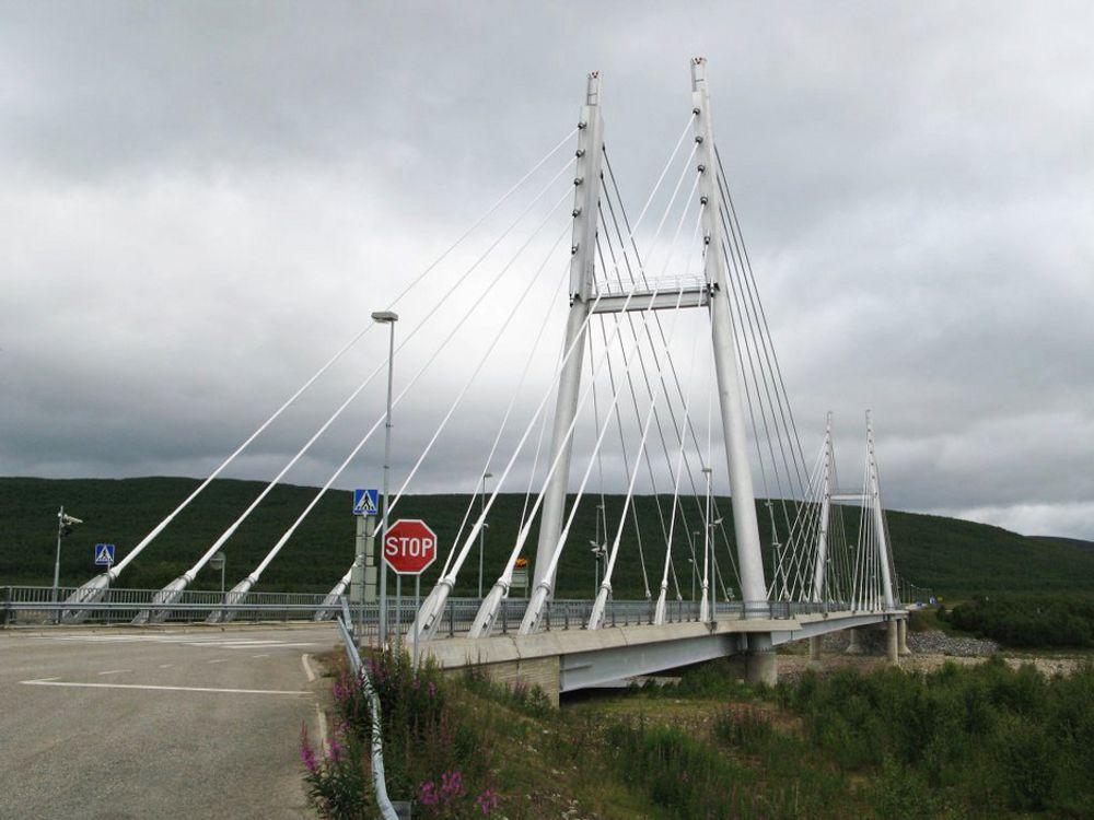 Samelandsbrua i Finnmark er foreslått av mange de siste dagene. Er det Norges vakreste bro?