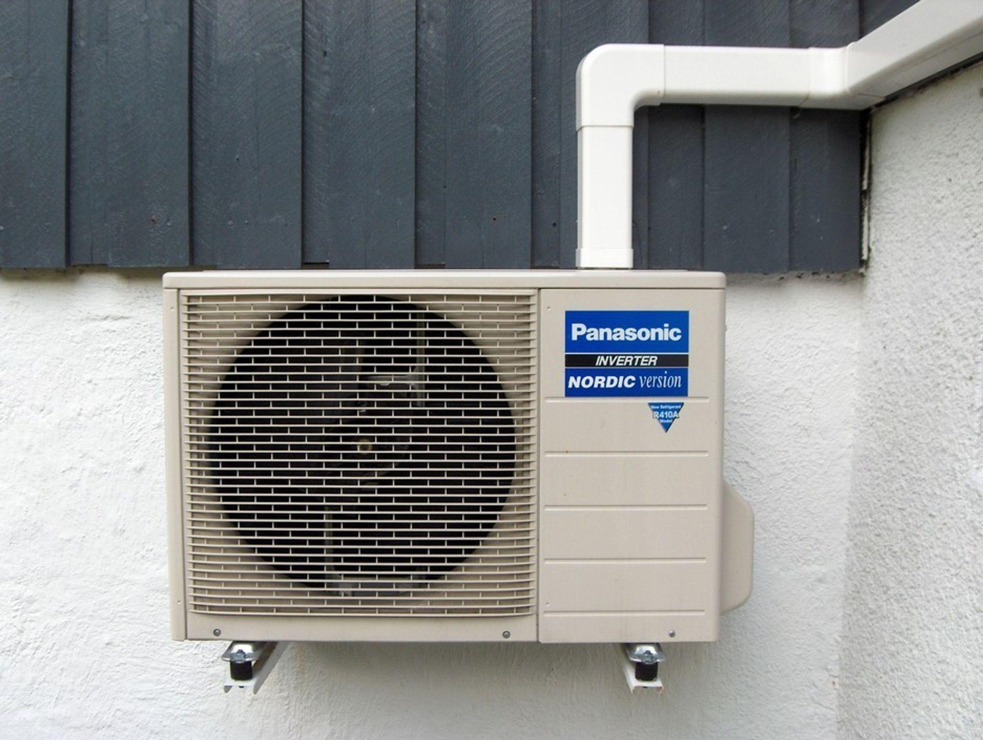Stadig flere installerer varmepumper her til lands.