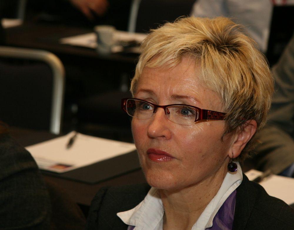 STYRKER: Kommunene skal få midler til rehabilitering og vedlikehold, lover Liv Signe Navarsete