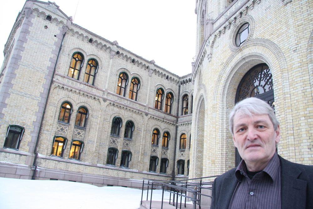 ¿ SV vil ha en slutt på prosjektet, og den sikreste måten å få til dette på, er å endre eierskapsmeldingen, sier næringspolitisk talsmann Alf E. Holmelid