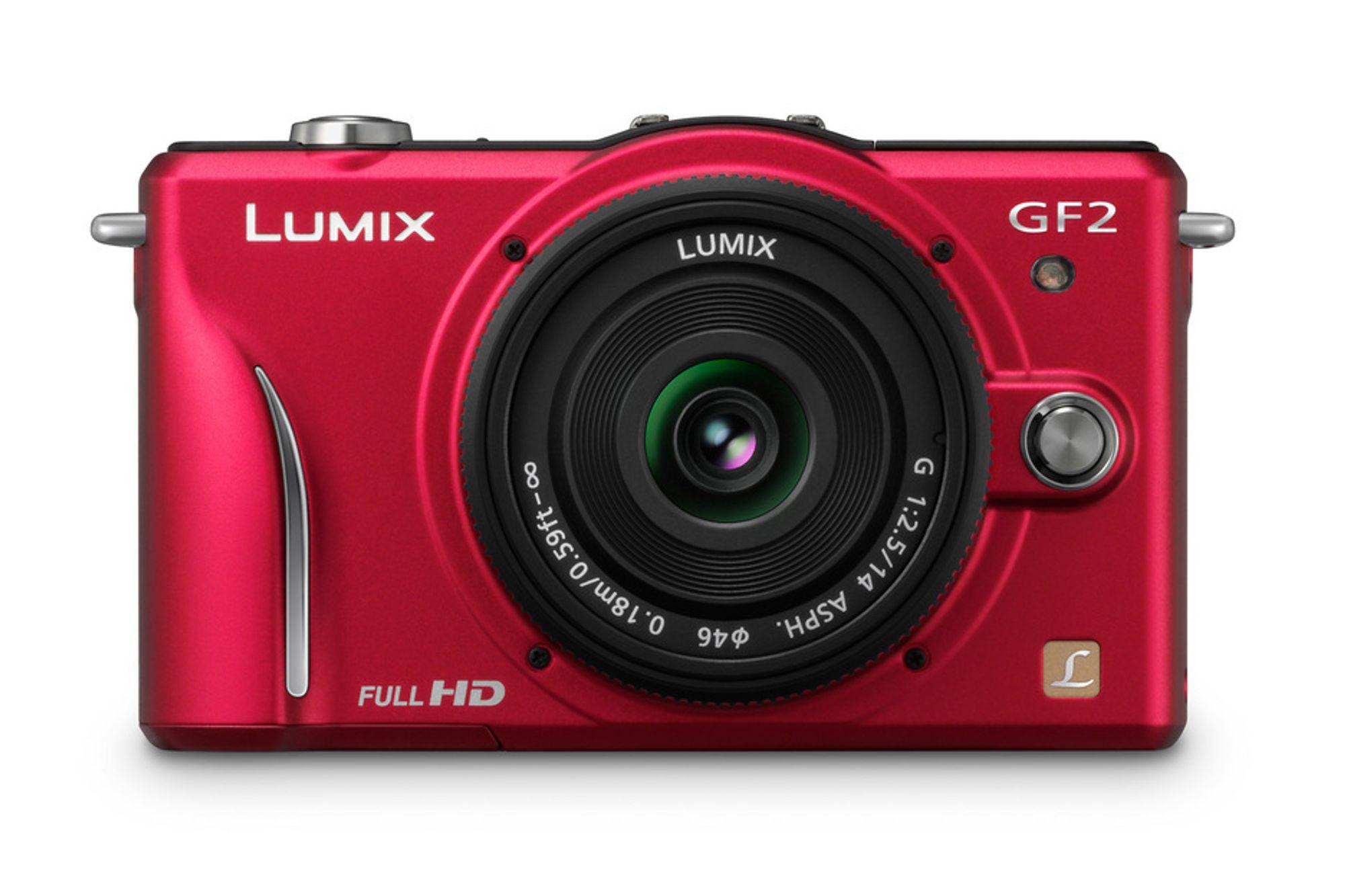 GF2 fås blant annet i rødt.