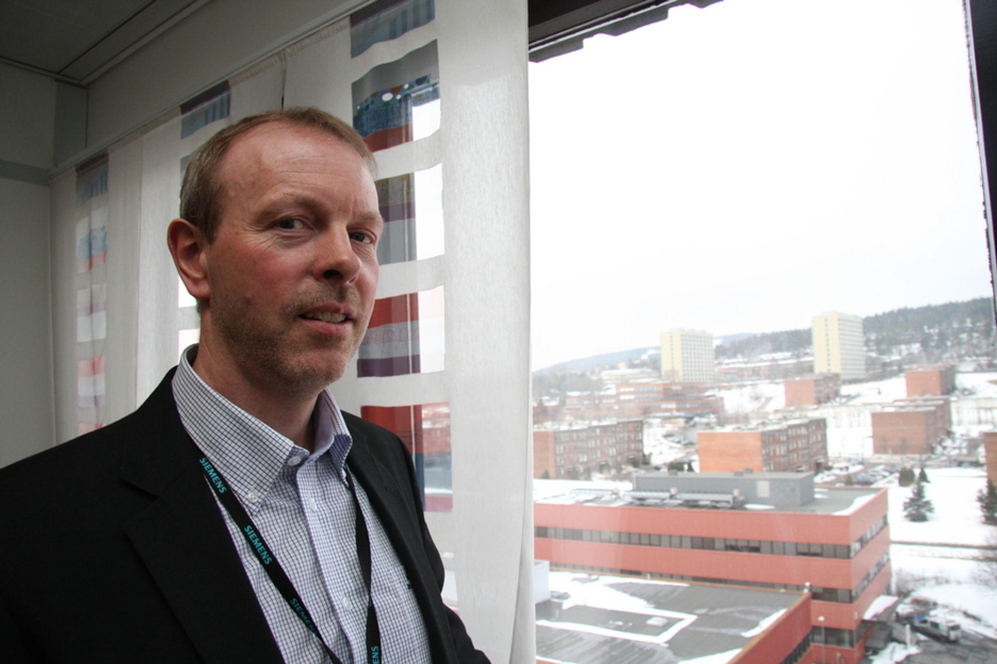 SPARE ENERGI: Are-Magne Kregnes fra Simens er innsatsleder for energieffektivisering i Energi 21. Han håper å få satt energieffektivisering på dagsorden, slik at både eiere og ledere skjønner hvor viktig det er.