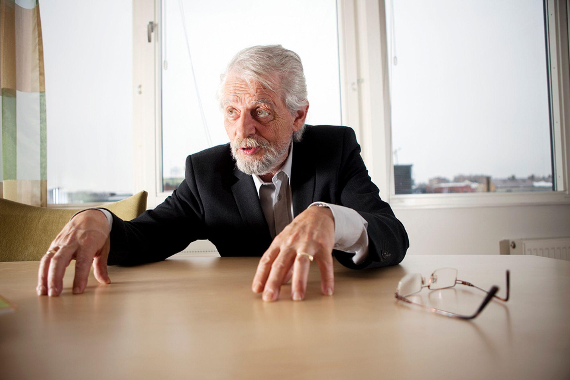 Jørgen Kosmo sier han gjerne skulle vært riksrevisor før han ble statsråd.