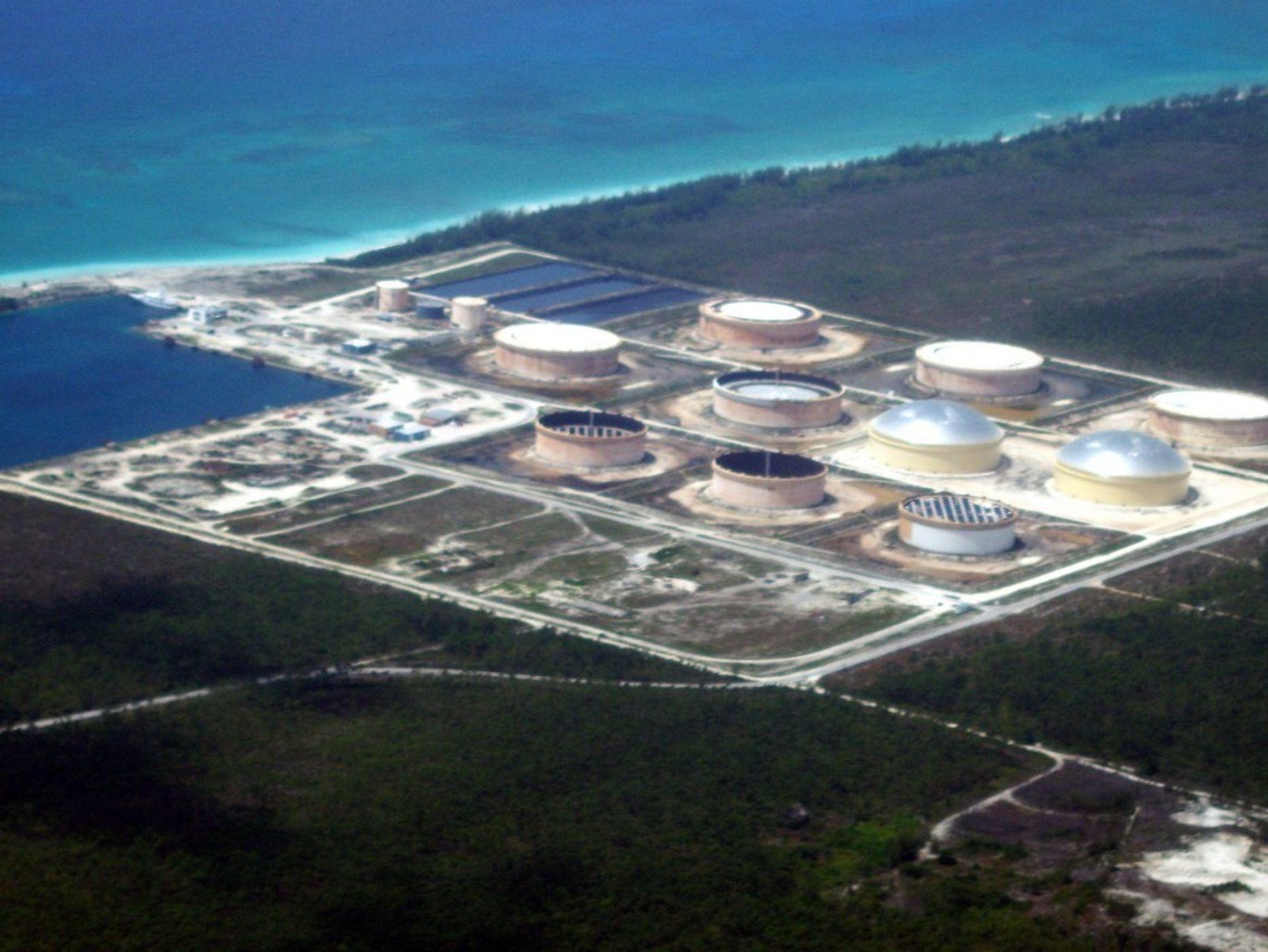 Statoil eier South Riding Point-terminalen på Bahamas. Nå vil de bore etter olje utenfor øygruppen.