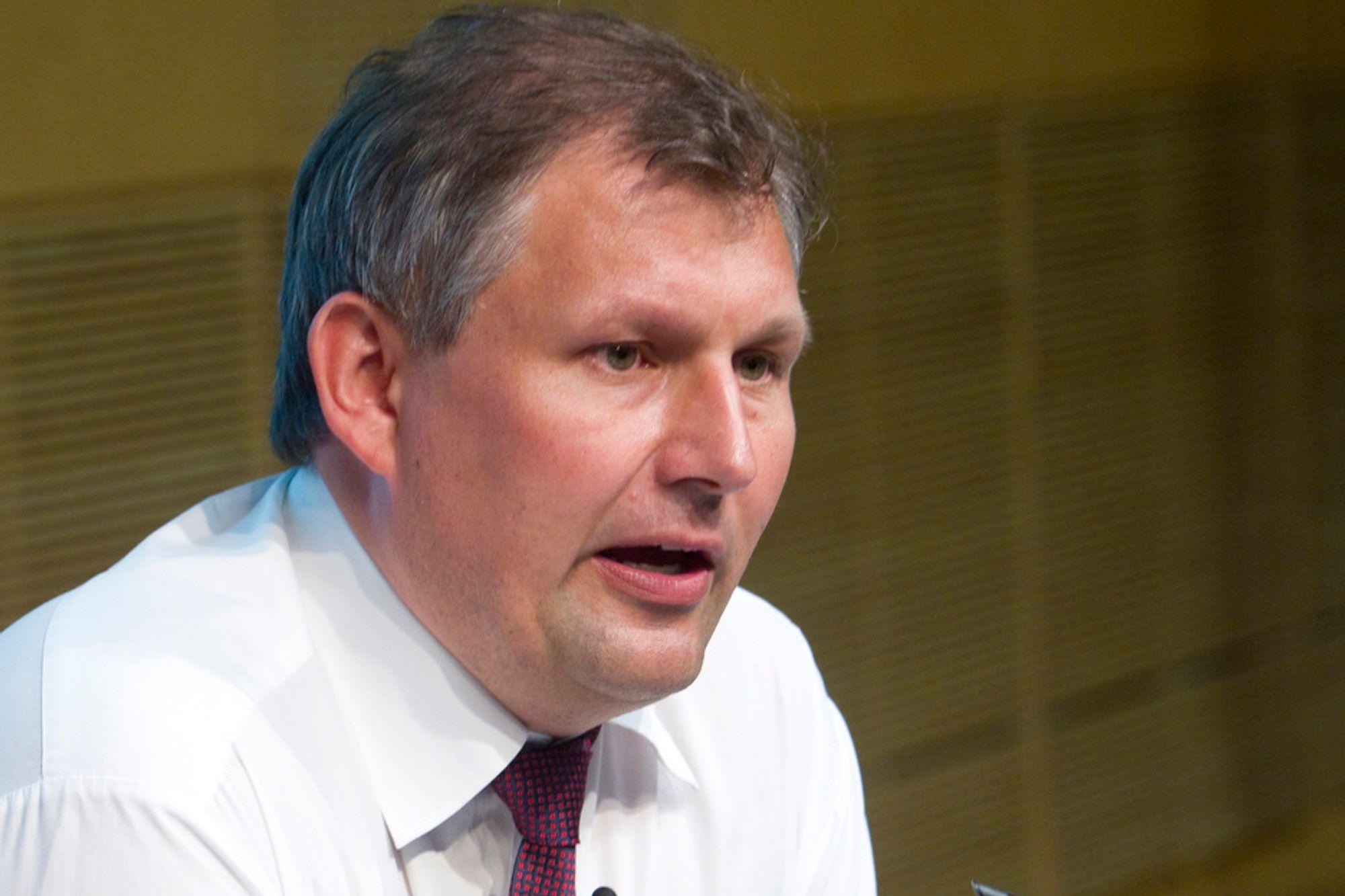 ENKEL LØSNING? Olje- og energiminister Terje Riis-Johansen skal etter planen legge fram en endelig beslutning for den videre prosessen denne uken. Departementet håper å slippe unna med å bestille delrapporter de selv kan gjennomgå.