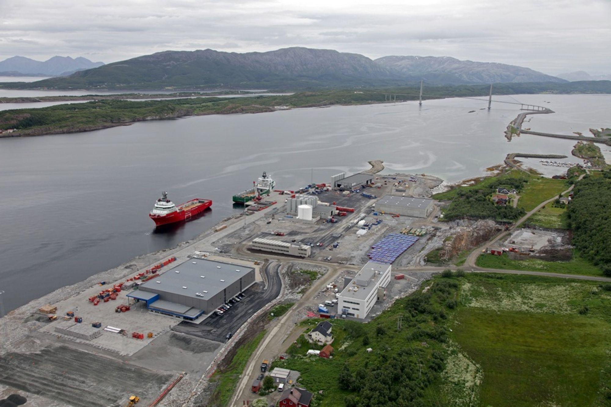 I KØ: Helgelandsbase opplever stadig sterkere etterspørsel fra off shore-industri som ønsker å etablere seg i Sandnessjøen.