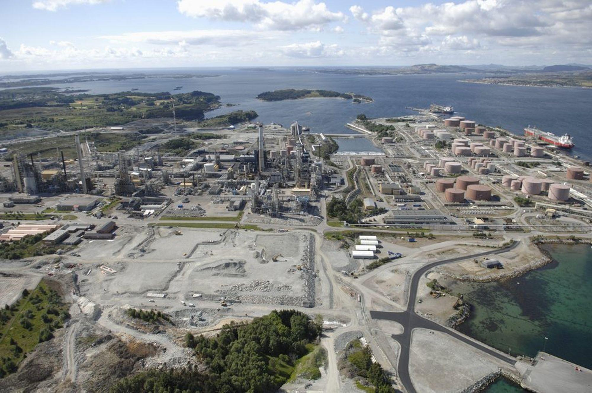 INGEN KONKURRANSE: Det blir ingen teknologikonkurranse om rensingen av Mongstad-raffineriet. Kun aminteknologi gjelder.