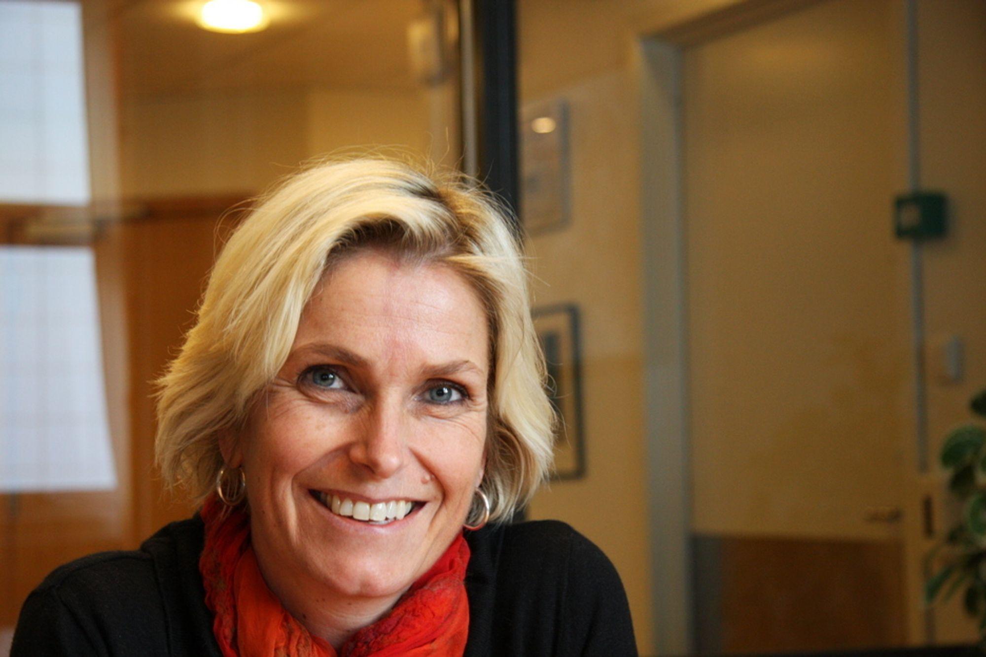 ØNSKER MER: Audhild Kvam, avdelingsdrektør i Enova sitter på ubrukte støttemidler til passivhus. Hun øsnker seg flere søknader og ønsker å bidra til økt antall passivbygg i Norge.
