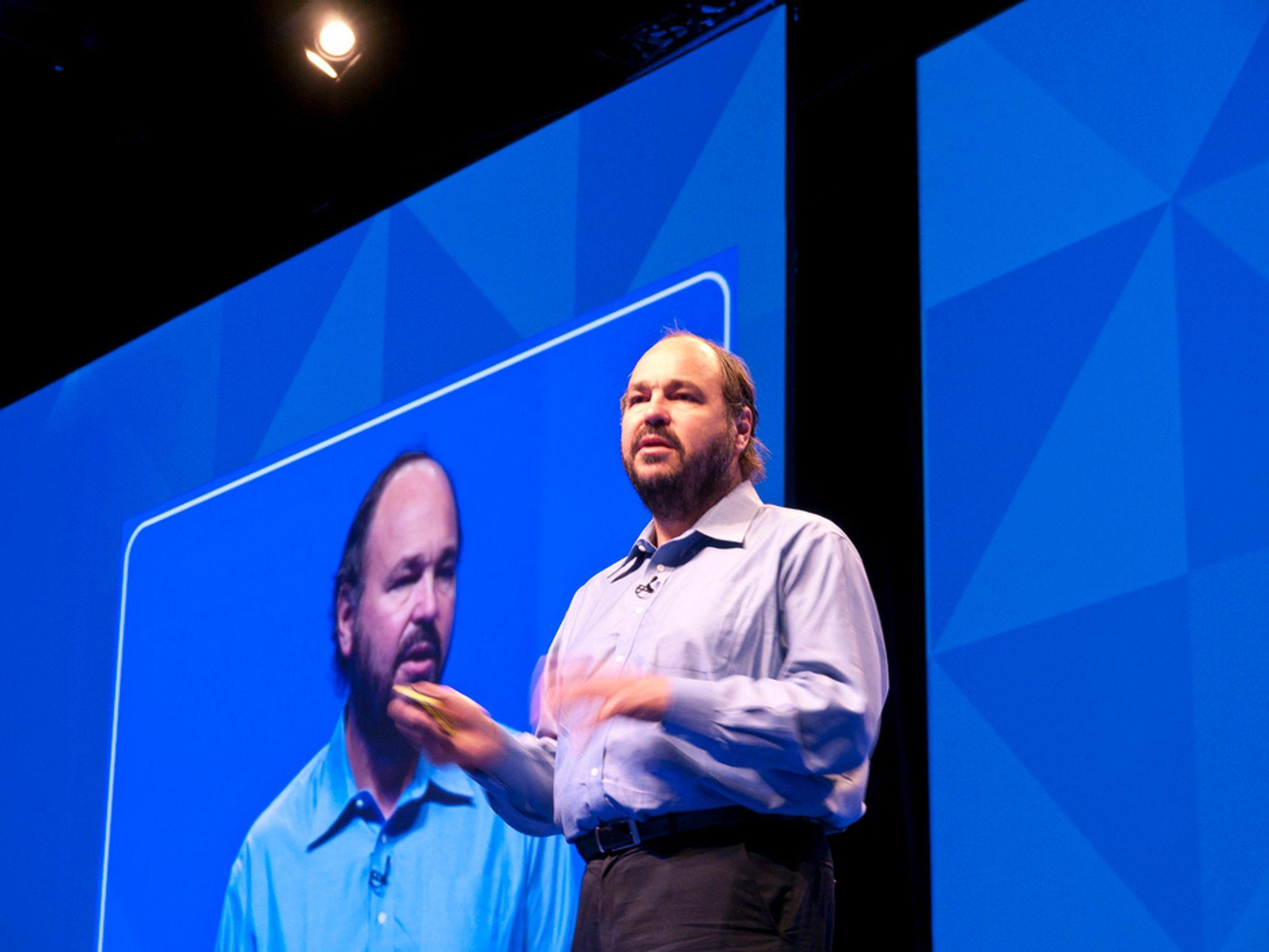LEDER RACET: VMwaresjefen Paul Maritz kan konstatere at selskapet hans har stor ledelse innen virtualisering. Nå lanserer de en rekke nyheter som skal sikre posisjonen etterhvert som nettskyen vokser frem.