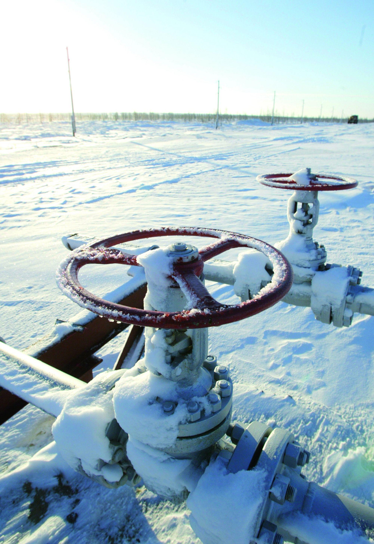 MÅ BRUKE GASSEN: Russiske myndigheter har gitt oljeselskapene kniven på strupen for at de må anvende 95 prosent av assosiert gass innen 2012.