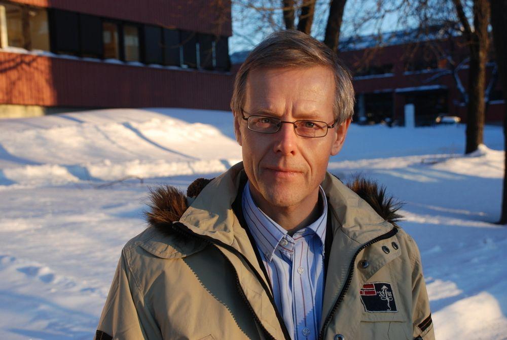 FORNØYD:-  Vi sikre på at vår løsning nå vil bli en målestokk for konkurrerende renseteknologier, sier divisjonsdirektør Tore Tomter i Siemens.