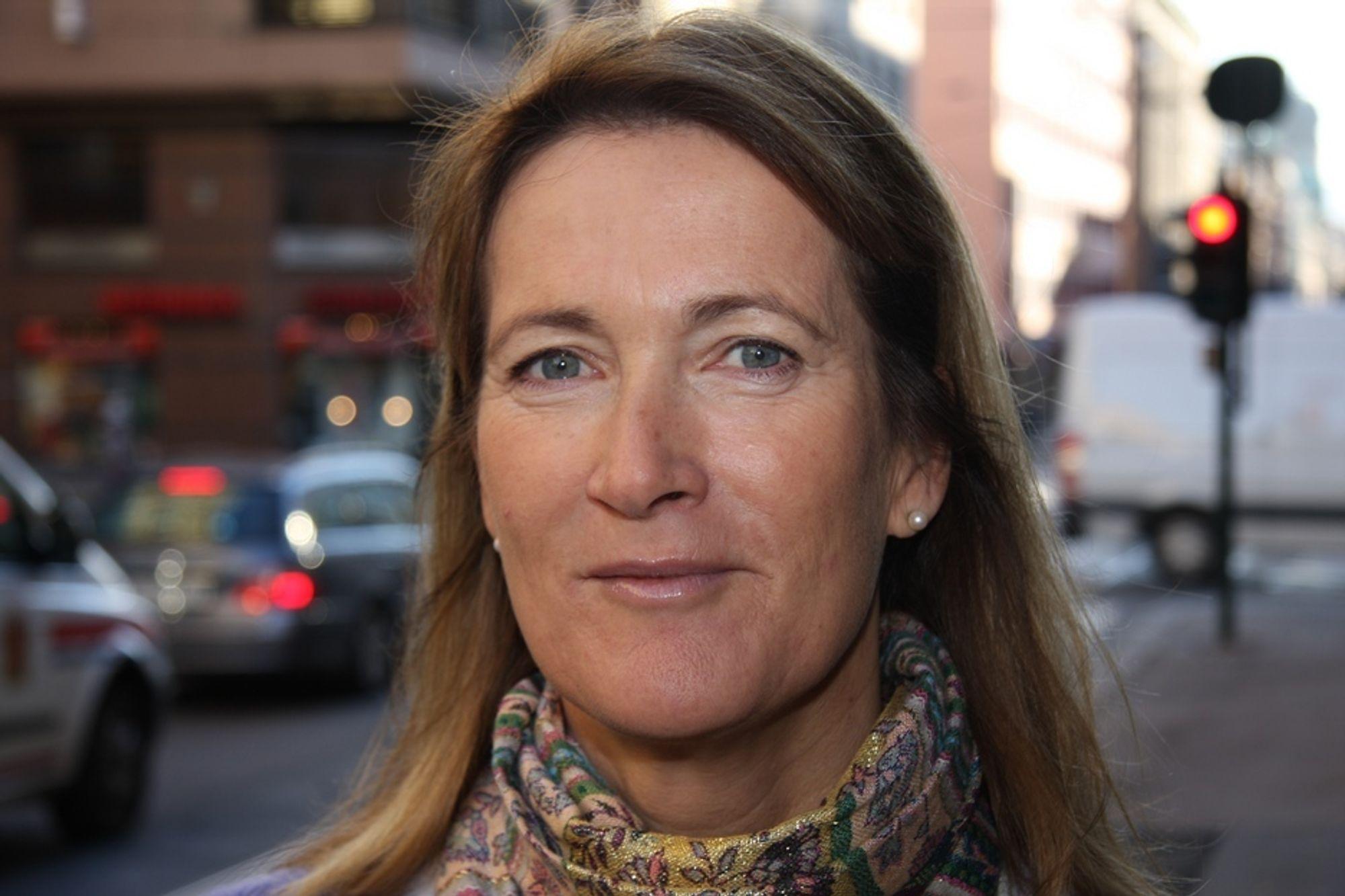 TIL INGEN NYTTE: -Regjeringen er ikke på bølgelengde med folket som ønsker et uavhengig veitilsyn, sier direktør i Trygg Trafikk, Kari Sandberg.