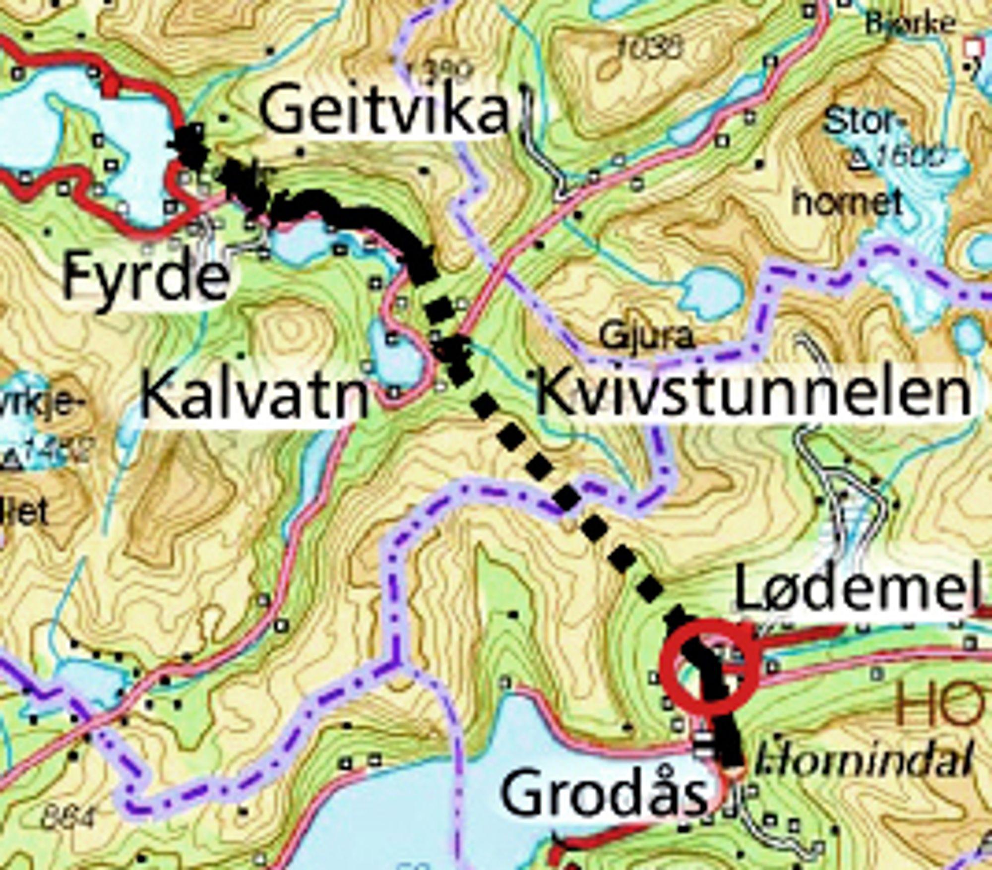 Den røde ringen nedenfor Kvivstunnelen markerer stedet der brua over Storelva skal bygges. ECO Bygg ligger godt an til å få den jobben.