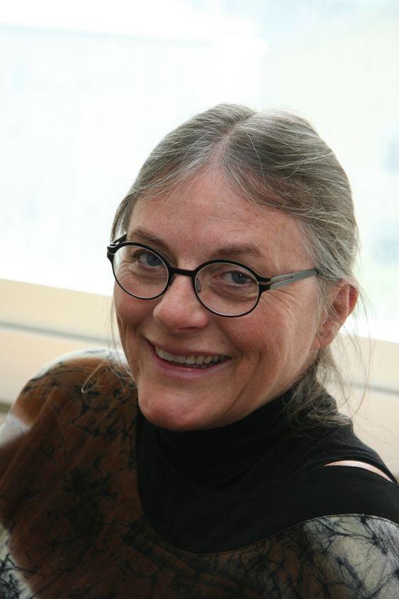 DYRT: Professor Anne Grete Hestnes synes det er mye å betale 100 000 kroner ekstra for å få vannbåren varme.