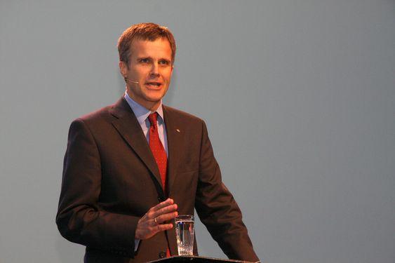 Statoils konsernsjef Helge Lund på OLFs årskonferanse 2010.