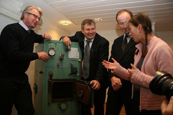 Pressekonferanse 17.10.08, lansering av kampanje mot oljefyrer. Fra venstre Fabian Stang, Terje Riis-Johansen, Nils Kristian Nakstad og Jannicke Olsen.