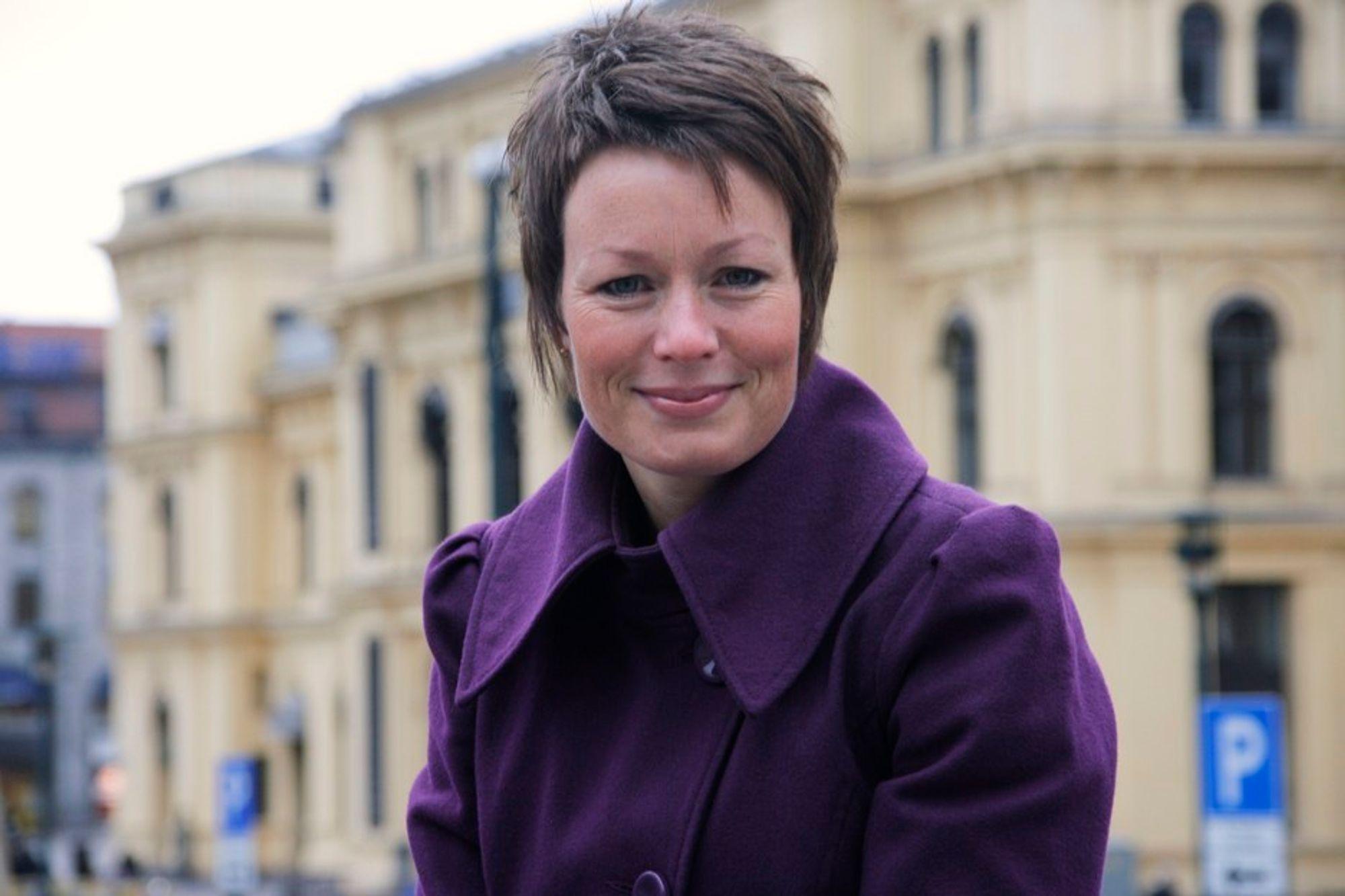 Krfs energi- og miljøpolitiske talskvinne Line Henriette Hjemdal mener regjeringen har gamblet med folks helse ved å holde Mongstad-rapporten hemmelig.