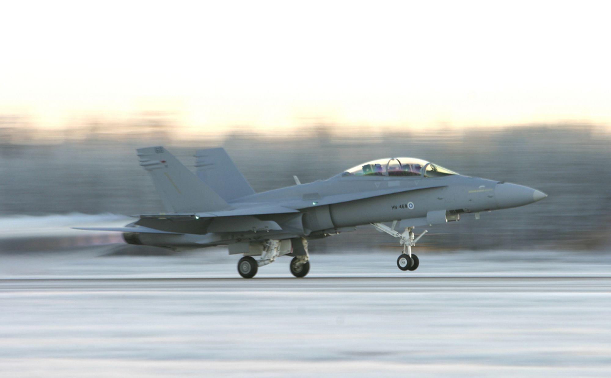 SMELTET VULKANSTØV: Finske jagerfly av typen F-18 Hornet fikk den tvilsomme æren av å bekrefte den vulkanske askeskyens skadepotensial.