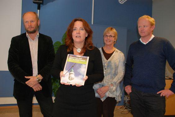 - INNSPILL TIL NY KLIMAMELDING: Statssekretær Heidi Sørensen tok i mot rapporten under rapportlanseringen mandag.