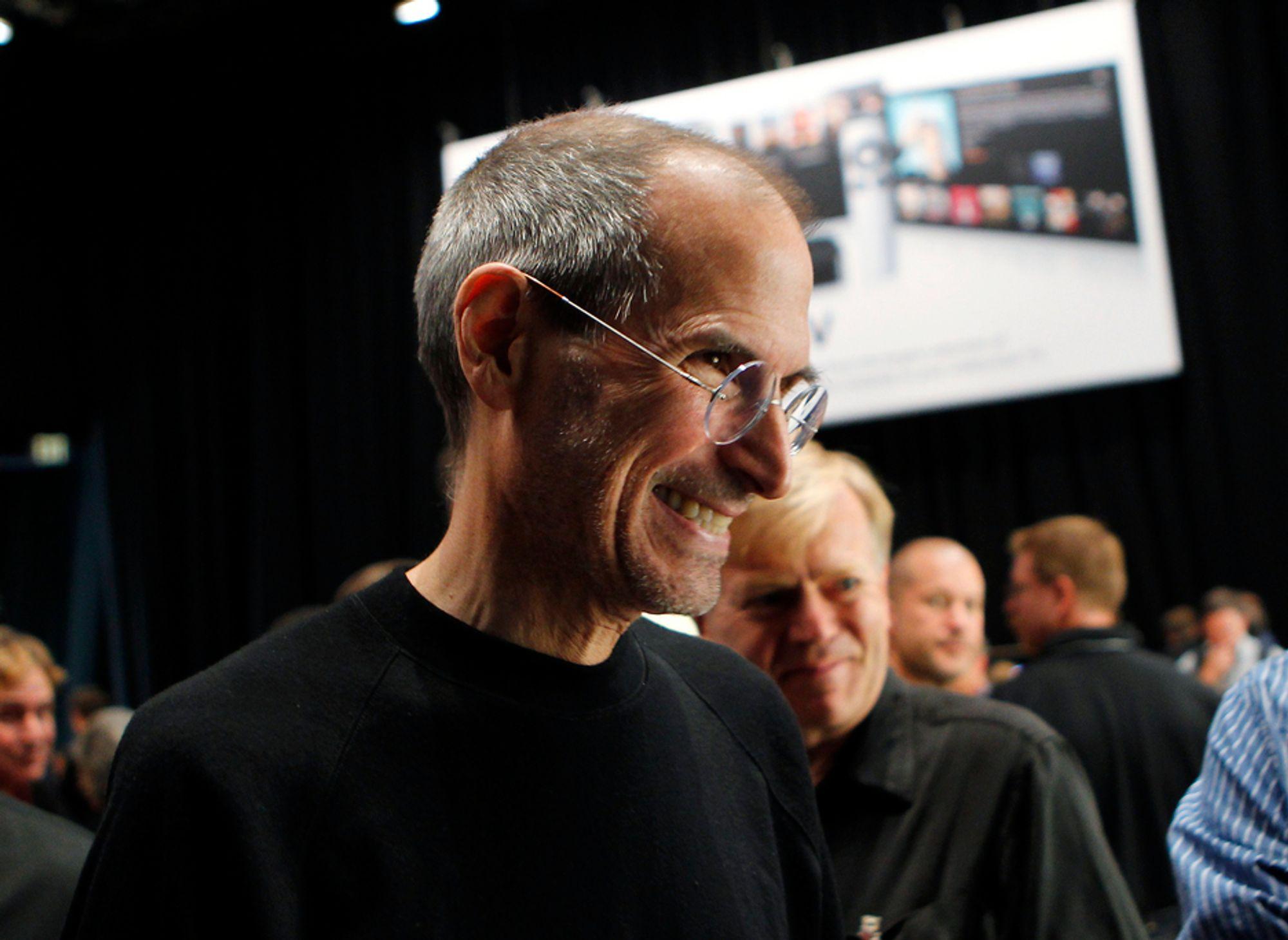 Apple-sjef Steve Jobs har all grunn til å smile, skal vi tro aksjemarkedet, som nå har drevet papirverdien av selskapet opp i 1800 milliarder kroner.