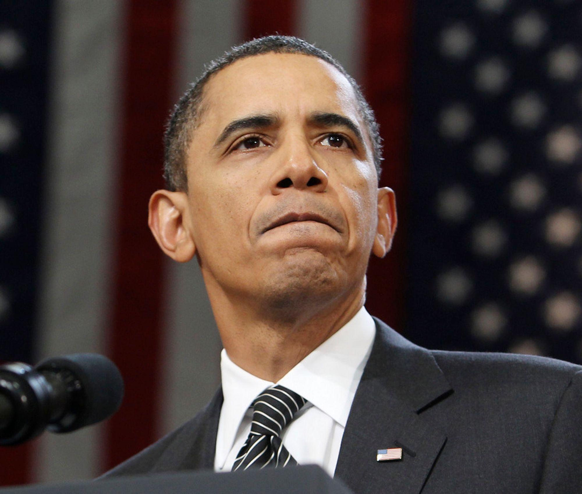 BP må gjøre opp for seg, og ikke slenge småpenger til dem som er rammet av katastrofen, sier president Barack Obama.