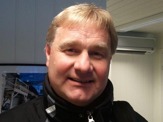 SATSER: Plassjef Even Solbaken i Aker Solutions Moss bygger ut for 20 millioner kroner og ansetter seks, derav to lærlinger.