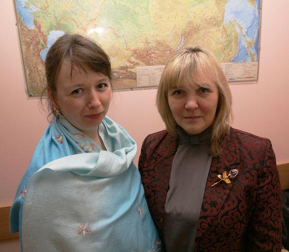 Irina Arestova (til venstre) og Marina Opekunova, henholdsvis dosent og førsteamanuensis i geoøkologi ved St. Petersburg State University.