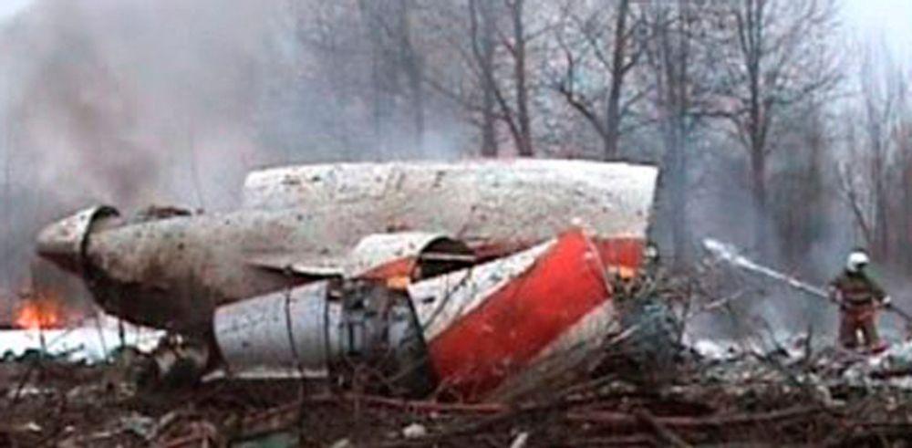 NASJON I SORG: I alt 96 personer omkom da et Tupolev-fly styrtet i Smolensk vest i Russland lørdag. Polens president Lech Kaczynski og en rekke andre polske ledere var blant de omkomne.