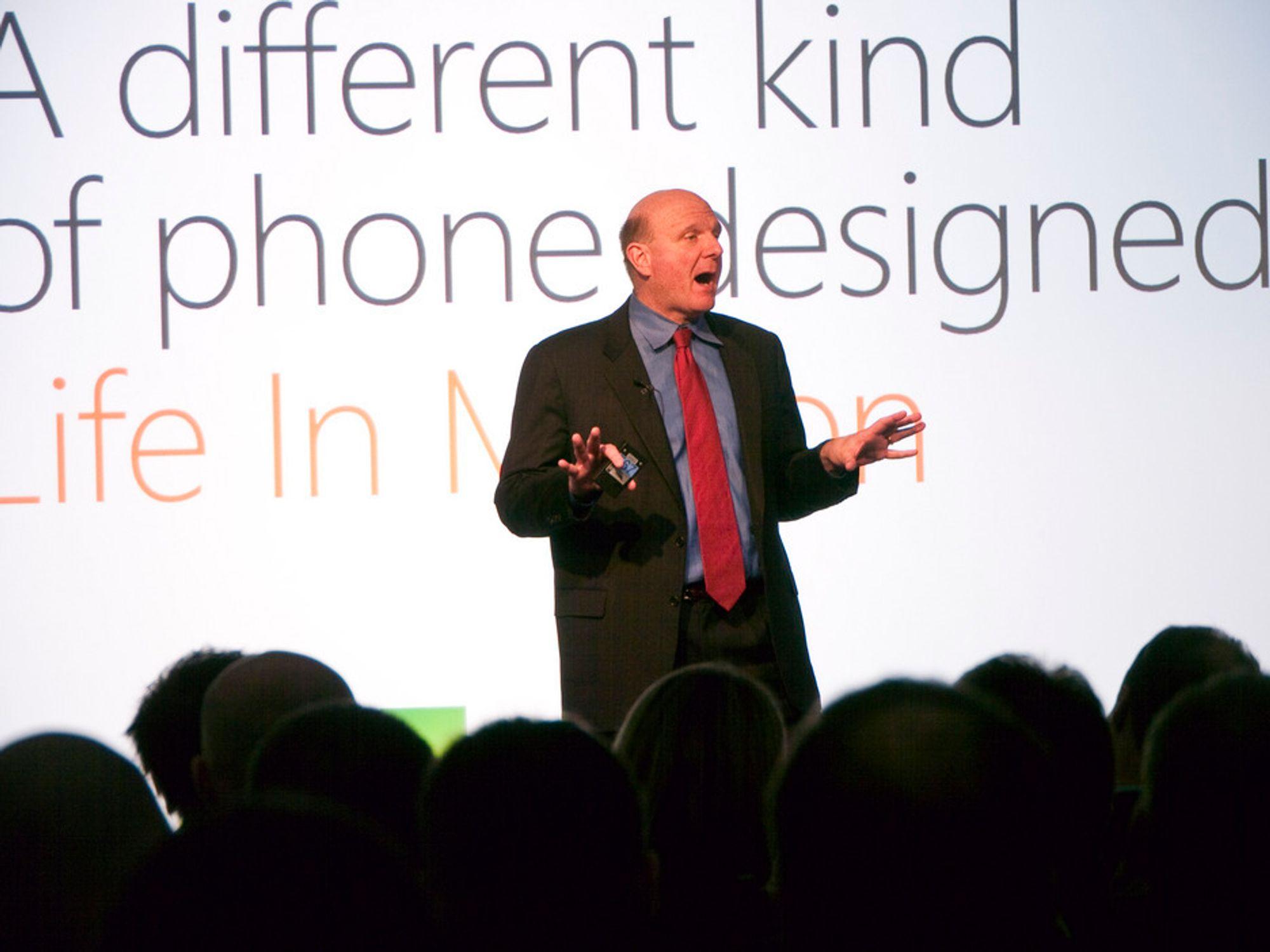 ENTUSIASTISK: Microsoft-sjef Steve Ballmer gjør ingenting for å tone ned forventningene til Windows Phone 7.