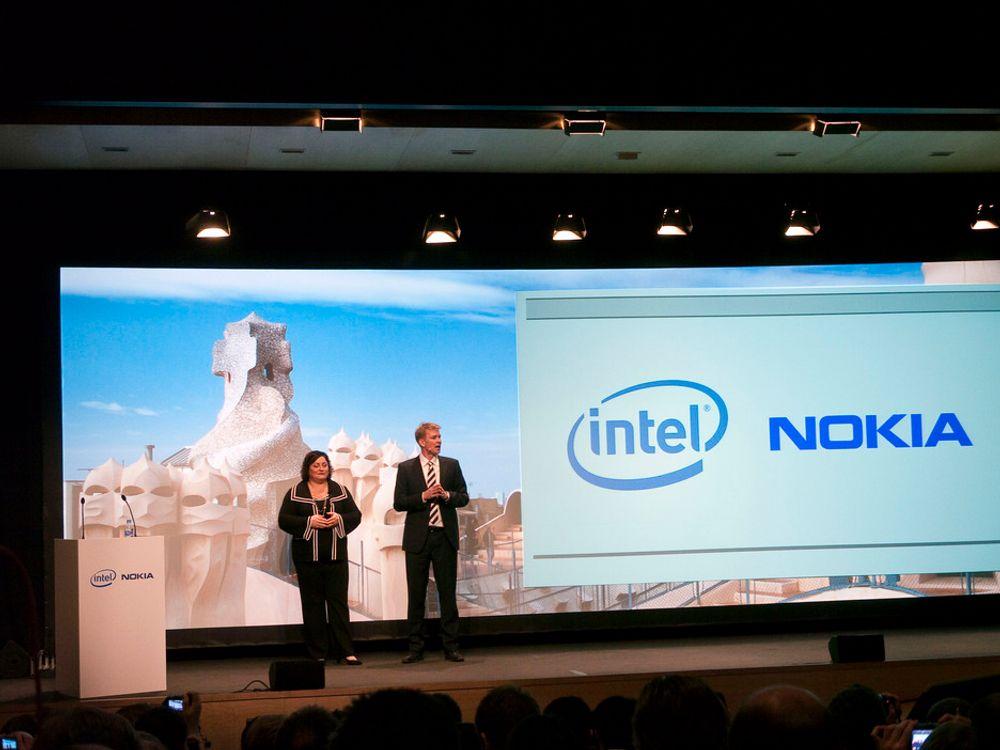 BESTEVENNER:Intels sjef for programvare, Reneé Jones og Nokias sjef for terminaler, Kai Öistämö sverger troskap på Linux og slår sammen sine respektive satsinger