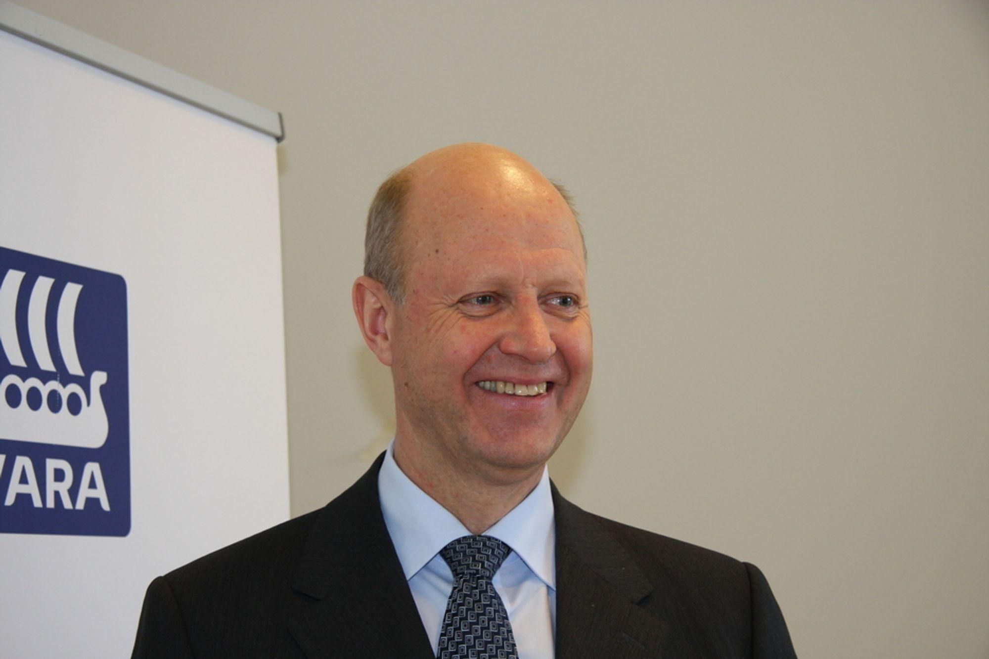 SMILER BREDT: Yarasjef Ole Jørgen Haslestad kan vise fram et resultat som langt ovegår egne forventninger.
