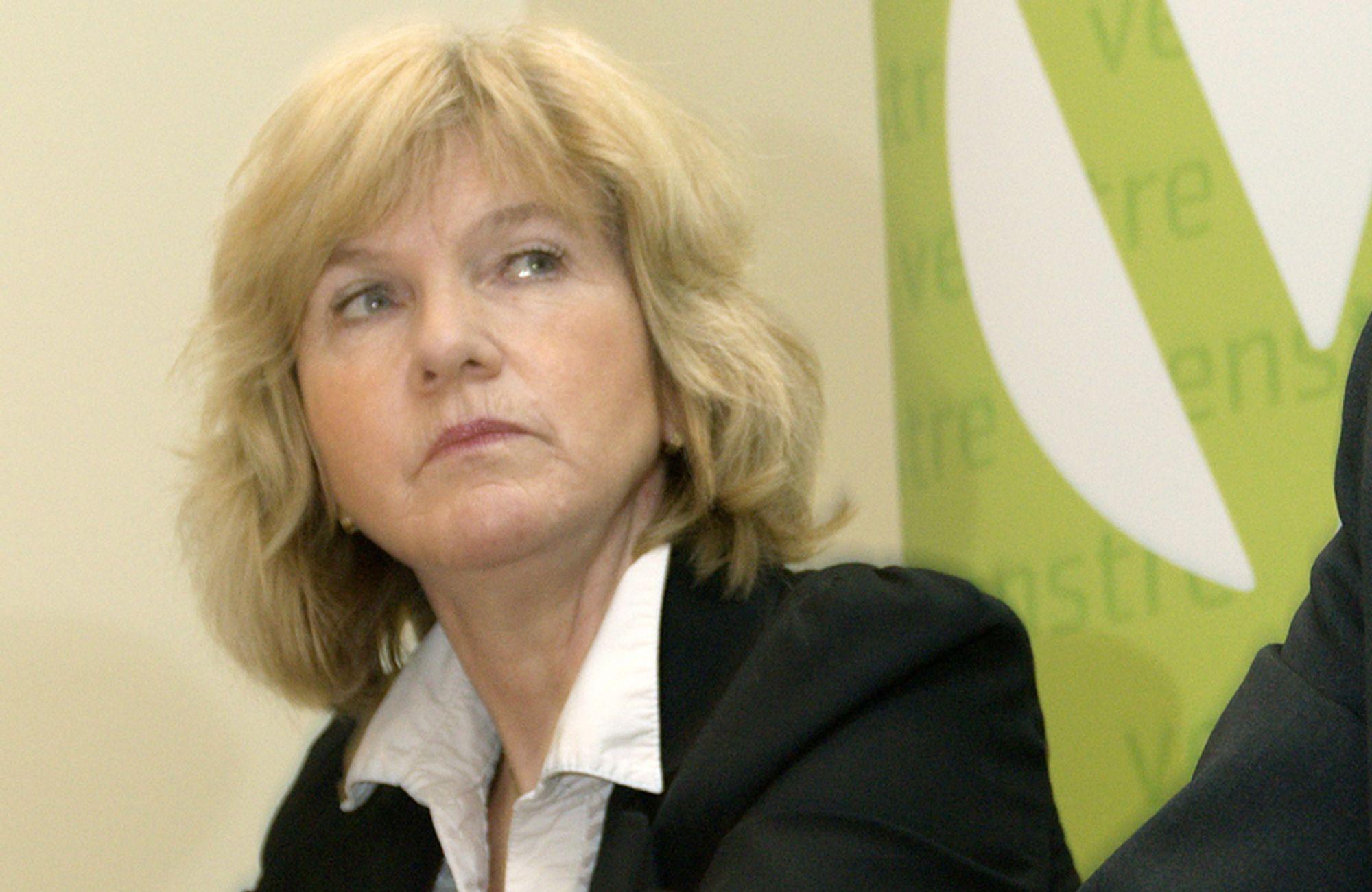 ¿ Det er problematisk at Stortinget ikke er tilstrekkelig informert om regjeringens posisjon, sier Borghild Tenden.