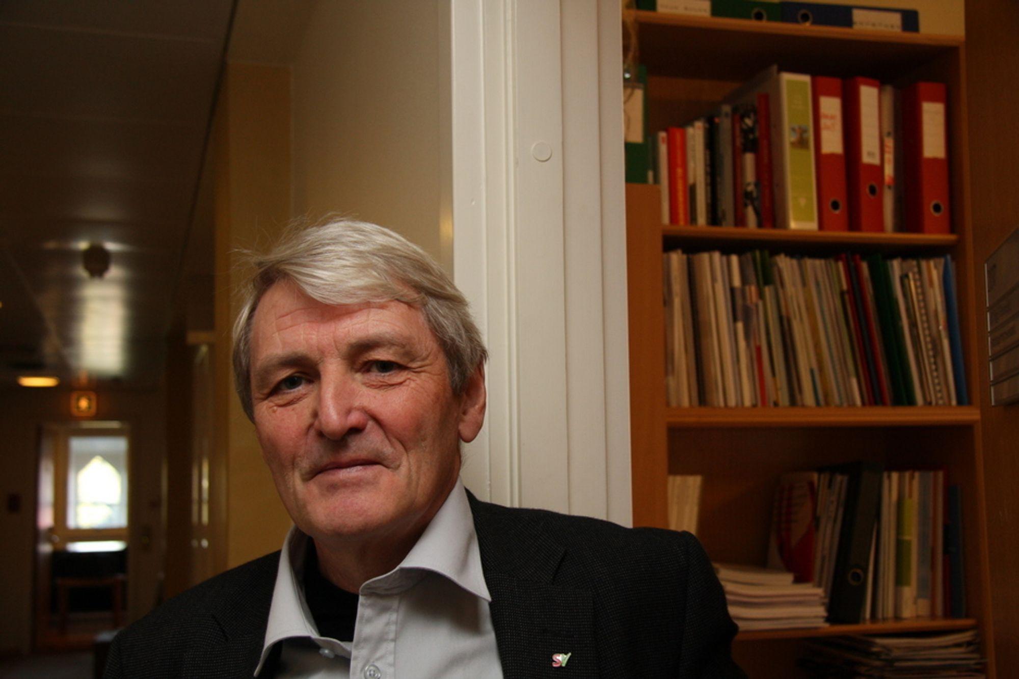 GLAD: Alf Holmelid (SV) i Nærings- og handelskomiteen på Stortinget har jobbet hardt for å få en helhetlig miljøteknologisatsing som kan gi varige arbeidsplasser. Han mener langt på vei ønsket innfris i statsbudsjettet der det varsles ny strategi for miljøteknologi.