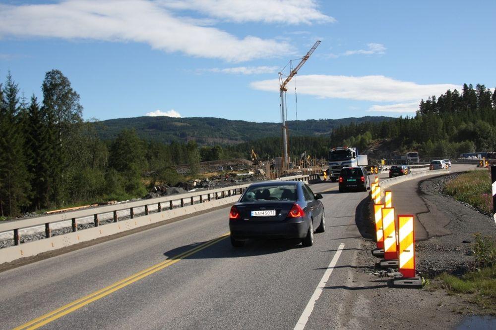 IKKE INFLASJON: - En topp moderne motorvei mellom Oslo og Trondheim kan bygges på 10 år uten å gi inflasjon hvis arbeidet gjøres sammenhengende, mener forsker Helge Røed.