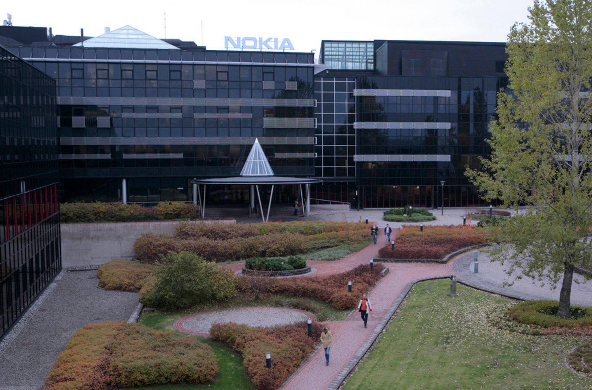 Nokia skal kvitte seg med 1700 ansatte globalt. Her fra selskapets produksjonsanlegg i Salo i Finland.