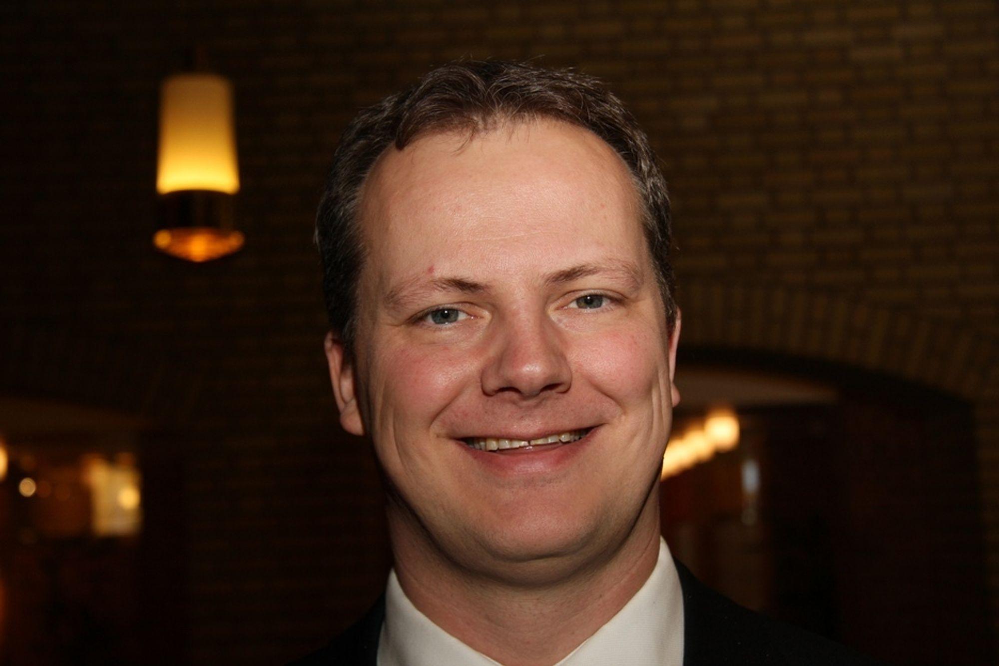 LER AV FORBUD: - Et tøvete forbud, mener energi- og klimapolitiske talsmann i Frp, Ketil Solvik-Olsen, om SV-vedtaket om å forby salg av bensinbiler fra 2015.