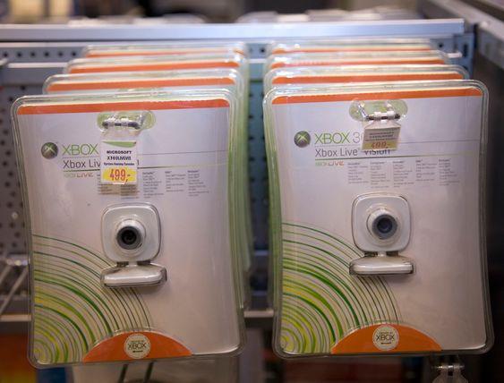 Emballasje. Plast. Innpakning. Retur. Resirkulering. Nedbrytbar. Miljøvennlig. Grønn. Miljø. Søppel. Elektronikk.