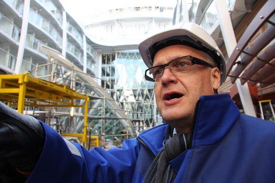 SJEF: Harri Kulovaara er toppsjef for maritim drift og alle nybygg i RCCL. Han er strålende fornøyd med Oasis of the Seas, selv med en prislapp på 1,4 miliarder dollar, nesten 8 milliarder kroner.
