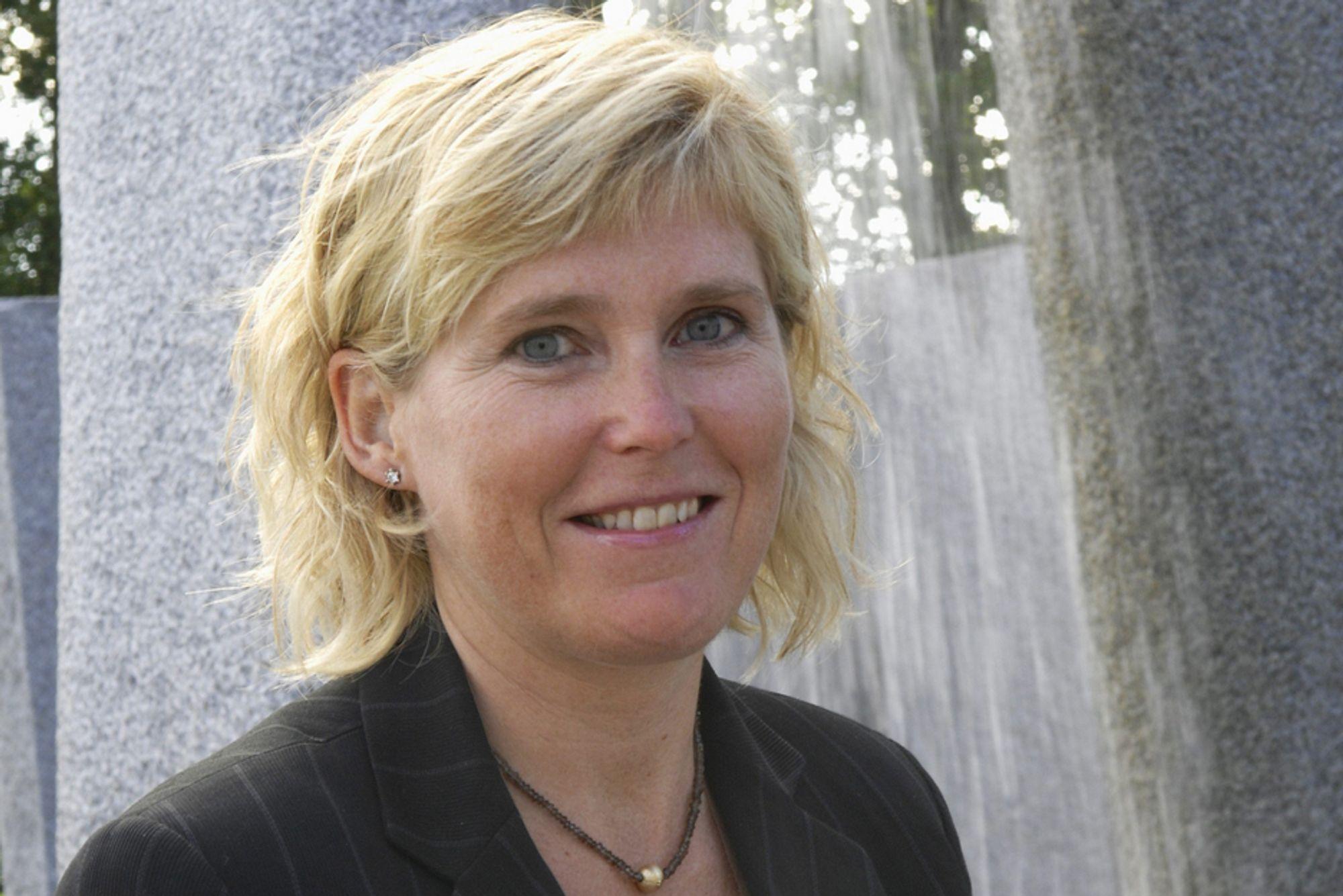 INVOLVERT: StatoilHydros miljødirektør Trude Sundset (bildet) skal fortelle FN om selskapets karbonfangsterfaringer. Videre skal Helge Lund gi FN råd i forbindelse med klimaforhandlingene i København.